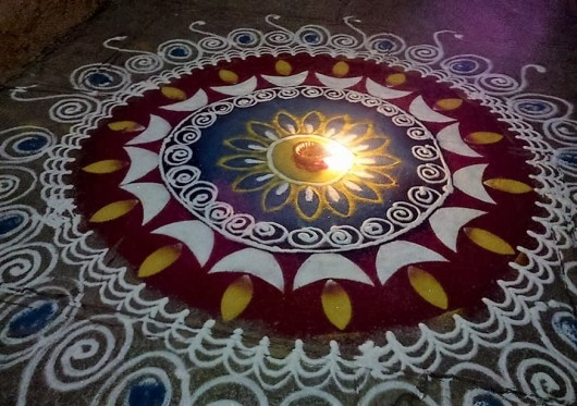 Free Hand Rangoli Designs for Diwali