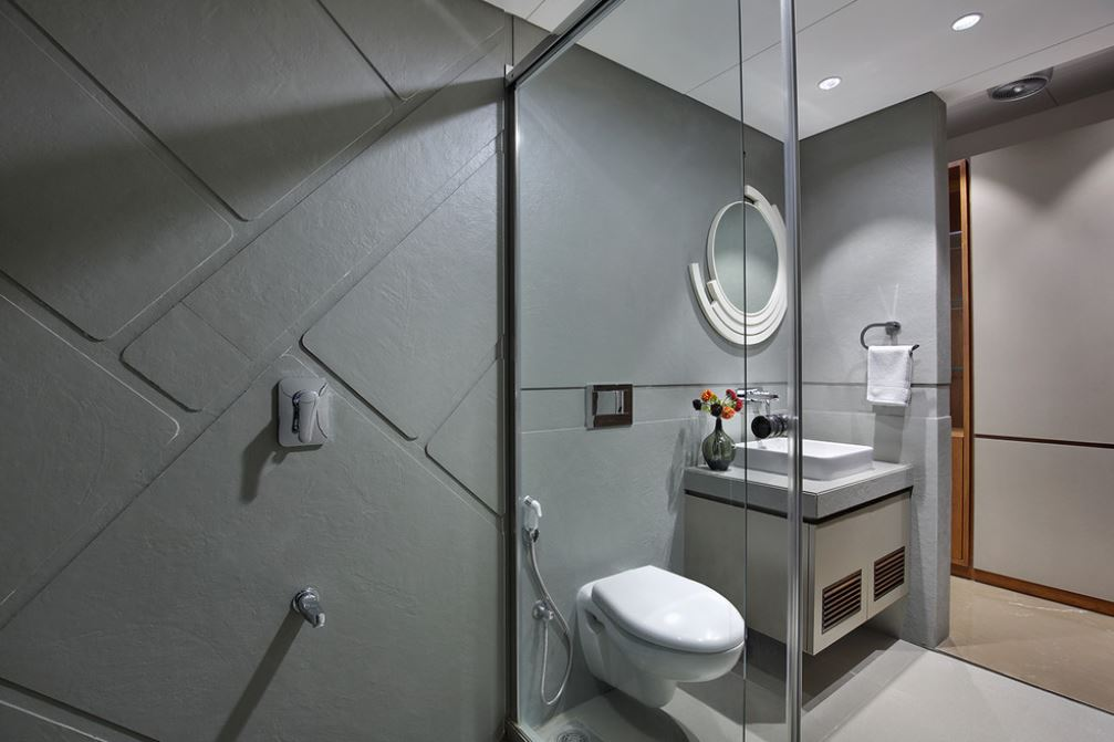 These small bathroom design tips from an expert designer will help you make the most of your money and the space in your small bath renovation. Indian Bathroom Designs and Interior Ideas - Home Makeover