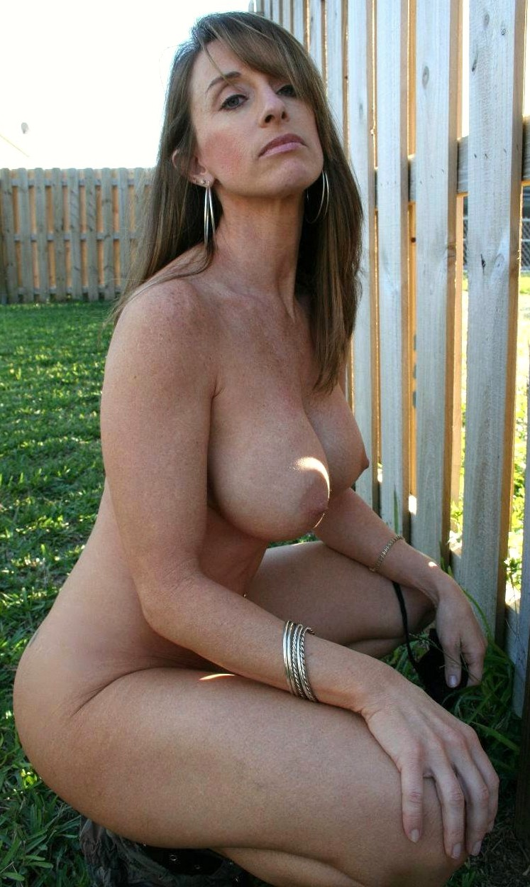Mature Mom Big Tits Smoking-7840