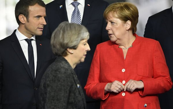 Merci Brexit, Beware Angela: Macron Knows 'How to Talk Big ...