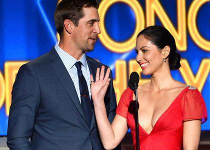 New Couple Alert Olivia Munn Amp Aaron Rodgers Heat Up