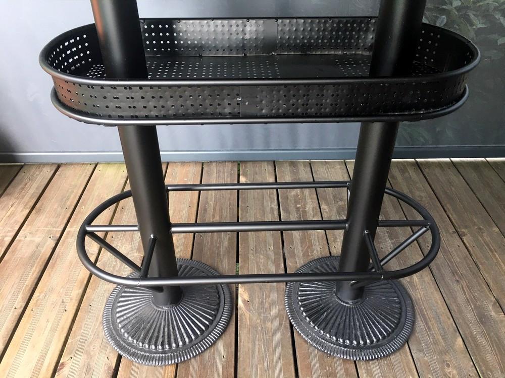 table haute industrielle avec plateau