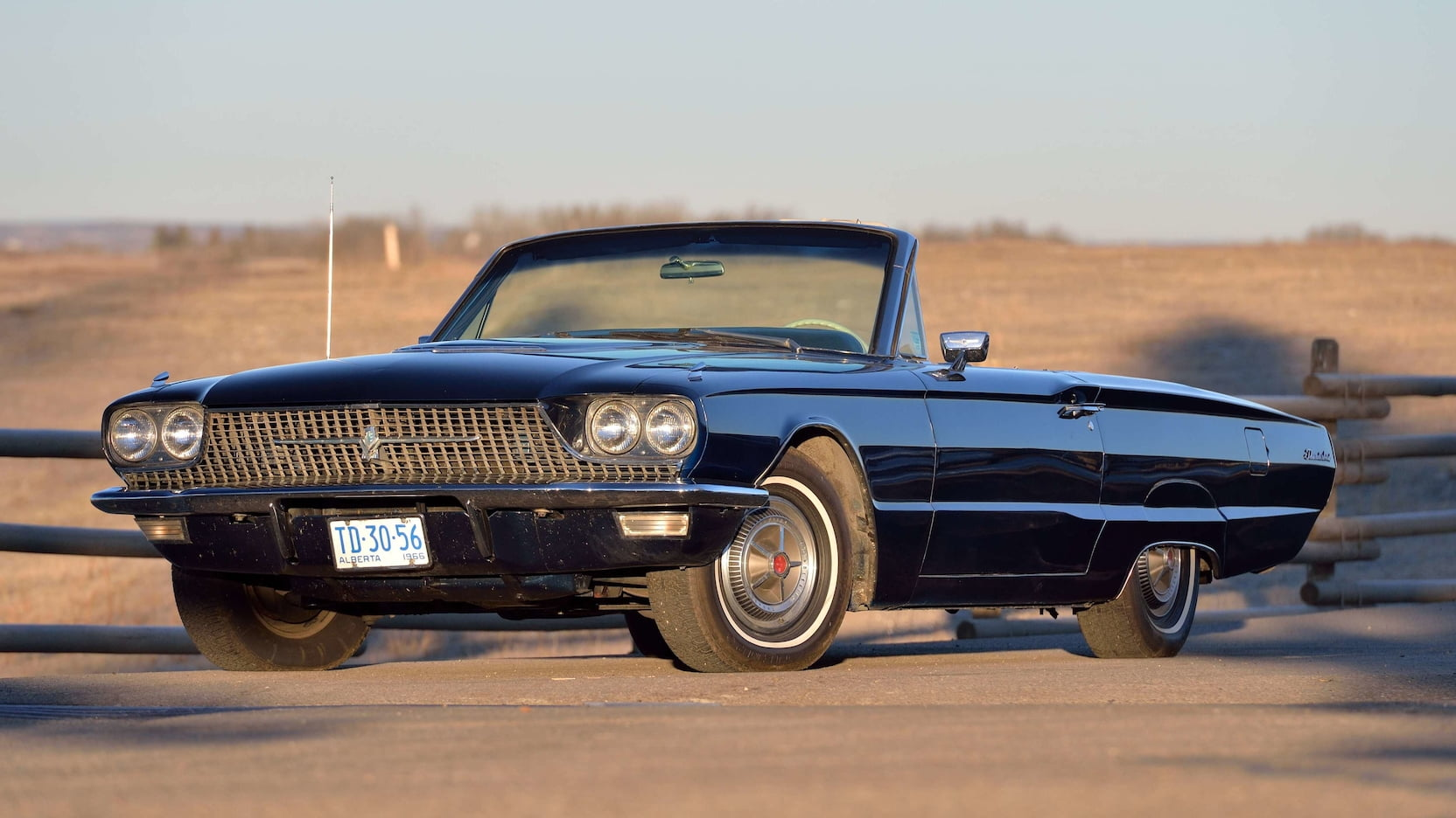 1966 Ford Thunderbird Tire Size