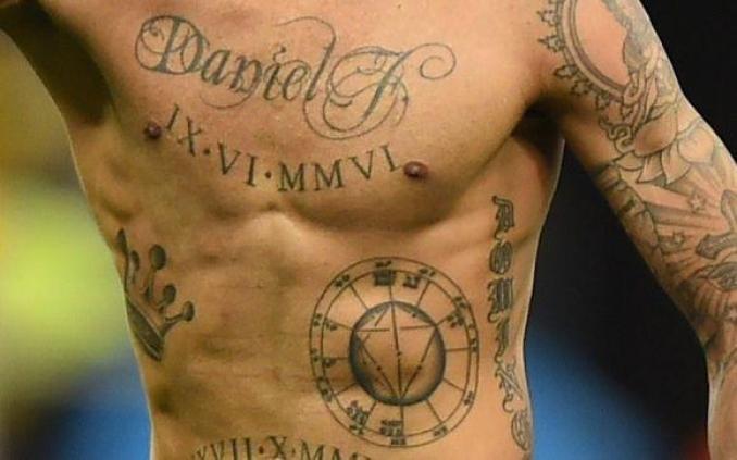 Tatuagem Masculina 2020 na Barriga