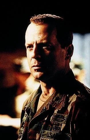 66. yaşına özel unutulmaz Bruce Willis filmleri - 31