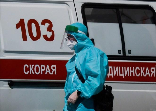 Fransa ve Yunanistan'da sağlık çalışanlarına aşı zorunlu hale geliyor 15