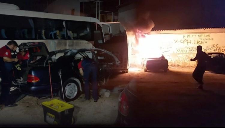 Önce otomobili ateşe verdi sonra da yardım istedi