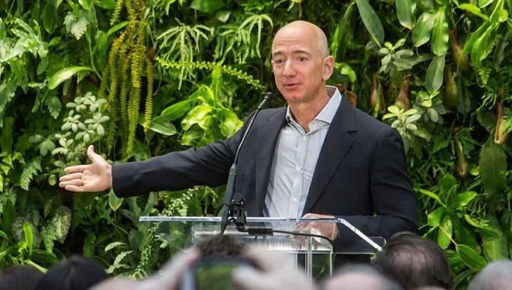 Amazon'un sahibi Jeff Bezos'un serveti 200 milyar doları aştı