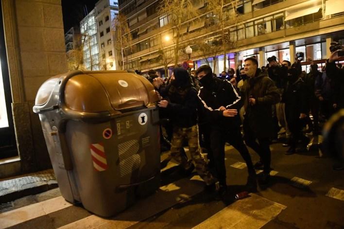 Rapçi Pablo Hasel tutuklandı, binlerce kişi sokaklara döküldü - 16
