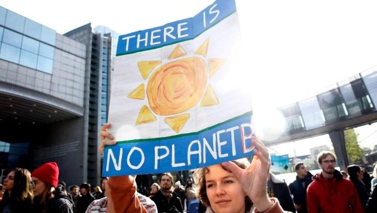 Çevreci gruplardan BM iklim konferansı ertelensin çağrısı