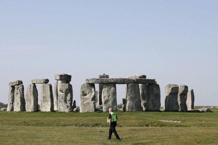 Stonehenge'in gizemi çözülüyor: Bronz Çağı döneminden kalma mezar bulundu - 3
