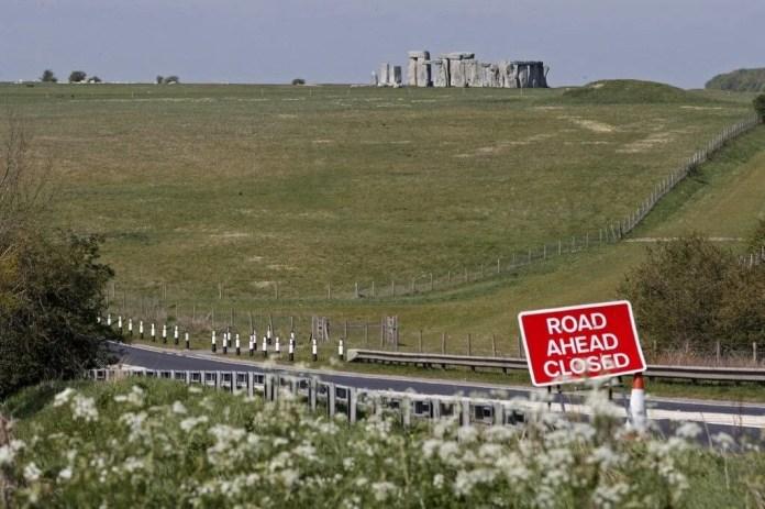 Stonehenge'in gizemi çözülüyor: Bronz Çağı döneminden kalma mezar bulundu - 4