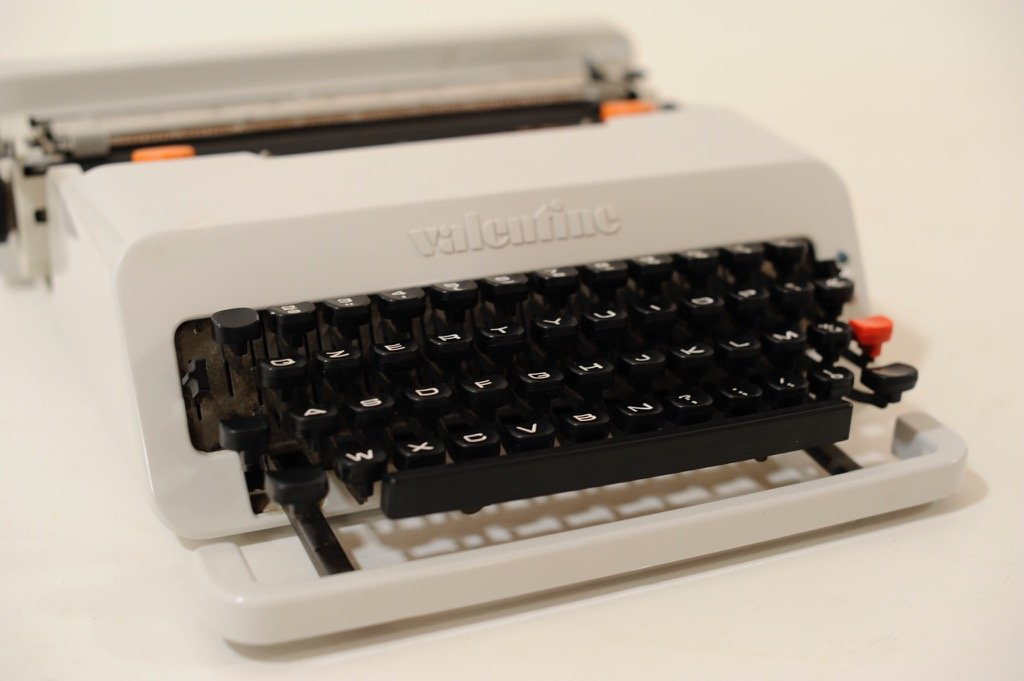 Grey Valentine Portable Typewriter By Ettsore Sottsass And