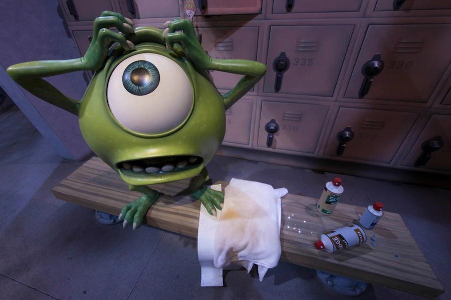 Scare Inc Door Floor Boo Monsters