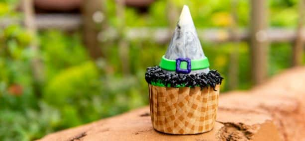 Witch's Finger Cupcake at The Mara at Disney's Animal Kingdom Lodge