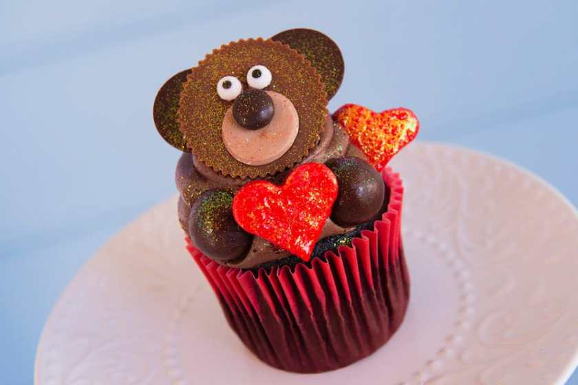 Pastelito de chocolate con mantequilla de maní Sweetheart Bear de Disney's Yacht & Beach Club Resort