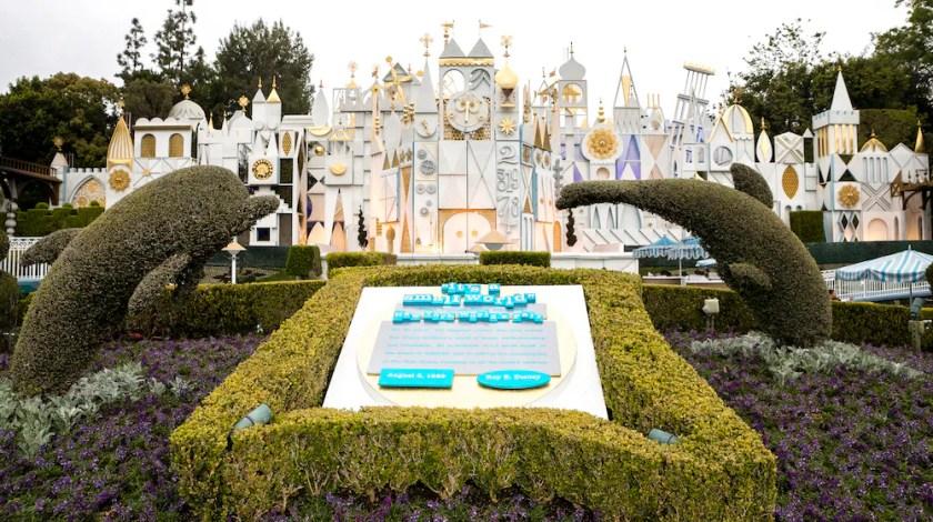 es un mundo pequeño en Disneyland Resort