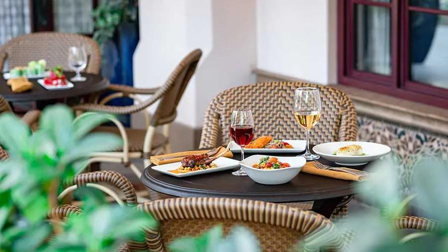 Carthay Circle Lounge - Alfresco Dining, Disneyland Resort