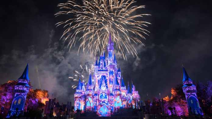 Happily Ever After Fireworks Show at Magic Kingdom | Walt Disney ...
