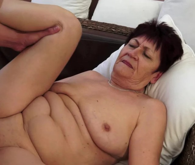 A Fat Granny With A Shaved Pussy Is Getting A Dick In Her Wet Cunt Pornid Xxx