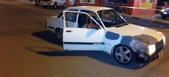 PM prende dois momentos após homem ser assassinado dentro de carro