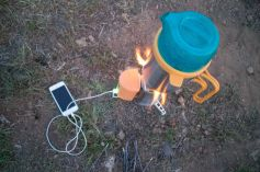 Boiling water and charging my phone with a Biolite stove