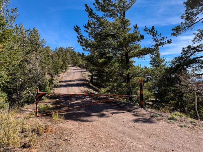 The final gate on the way to O'Leary Peak
