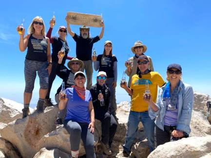 San-Gorgonio-Peak-Group-Photo-Cheers