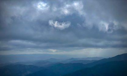 Strange-cloud-and-great-ridges