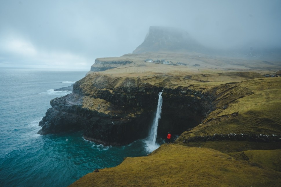 Gasadalur waterval Faroer eilanden