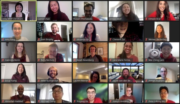 Students on Zoom with professor Delia Christiani