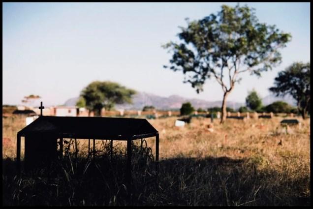 Botswana - A gravesite in Botswana ©Dominic Chavez