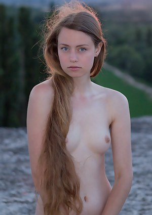 Long Hair Girls Pictures