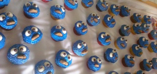 cookie monster cupcakes by jchapiewsky 520x245 Crafters can monetize their how to guides with Guidecentrals new Maker Program
