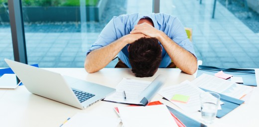 frustrated at work 520x255 Why entrepreneurs are obsessed with failures