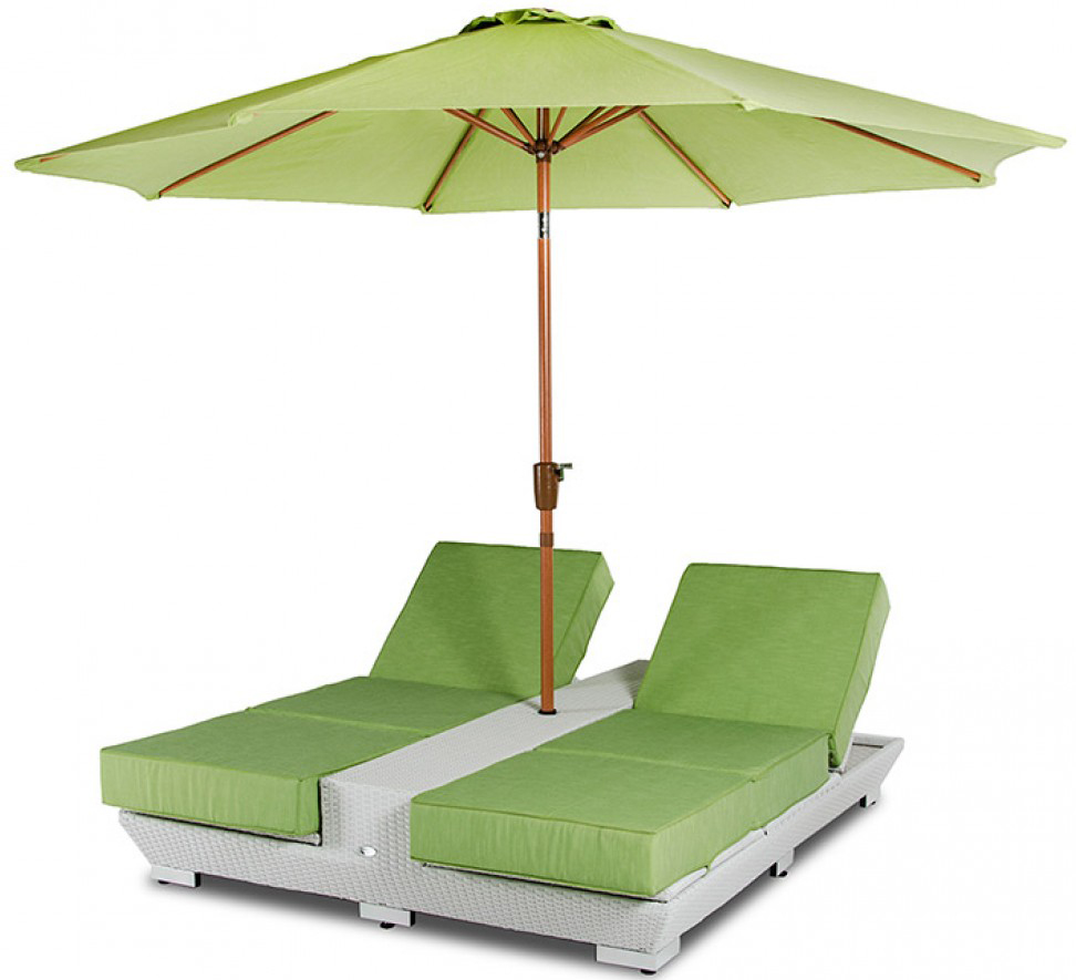 daytona green lounge chairs with umbrella