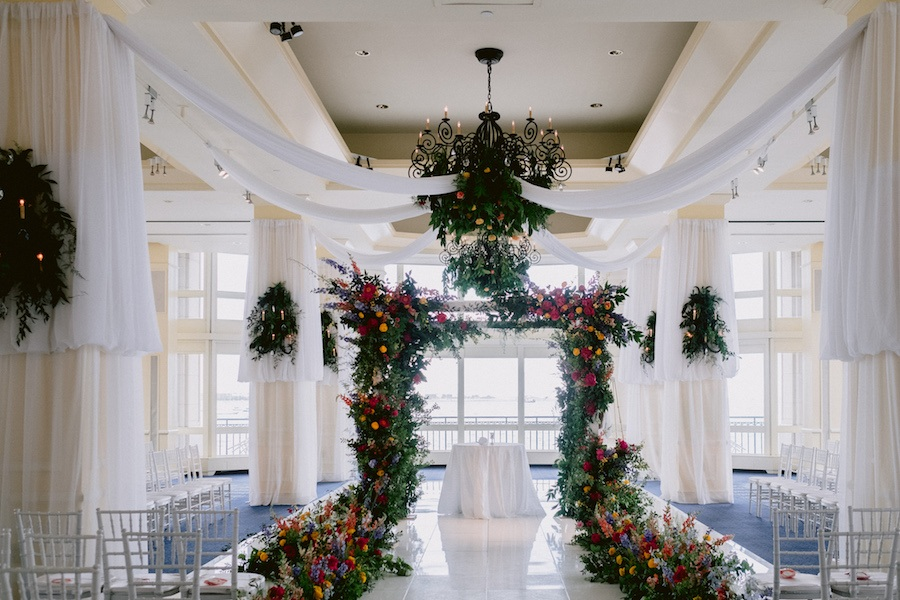 21 Amazing Wedding Arch, Altar, And Backdrop Ideas For
