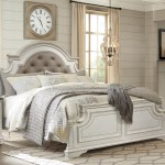 Albertville 4 Pc Antique White Bed With Dresser Mirror Night Stand