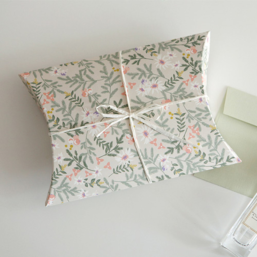 for your heart pattern medium pillow paper gift box set