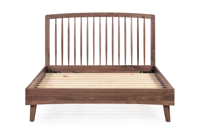 Spindle Bed Queen Walnut Kardiel