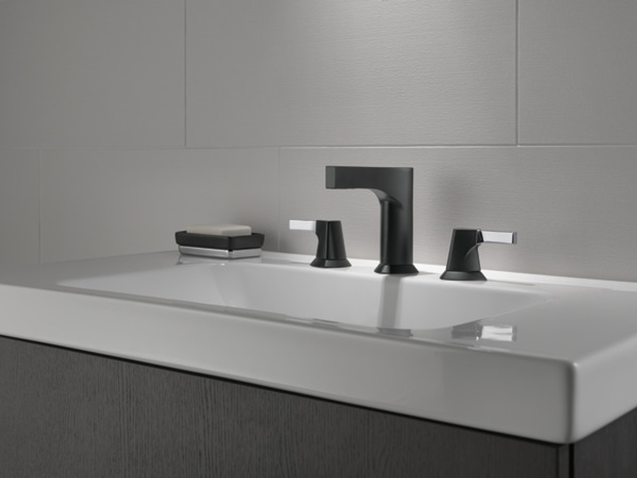 delta zura two handle widespread lavatory faucet finish chrome matte black