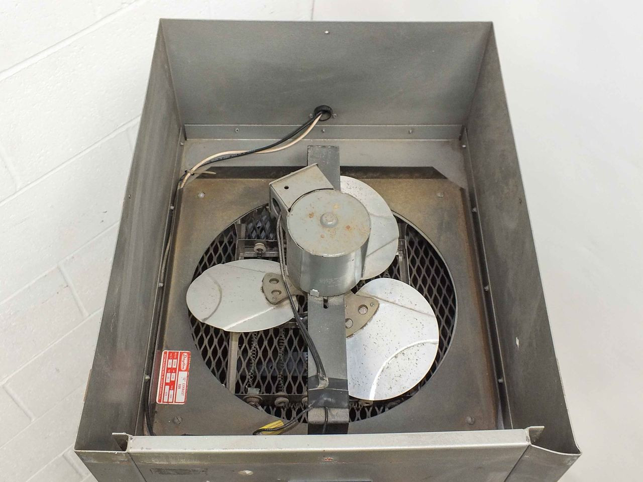 california stainless mfg film drying cabinet with dayton 12 exhaust fan df 81
