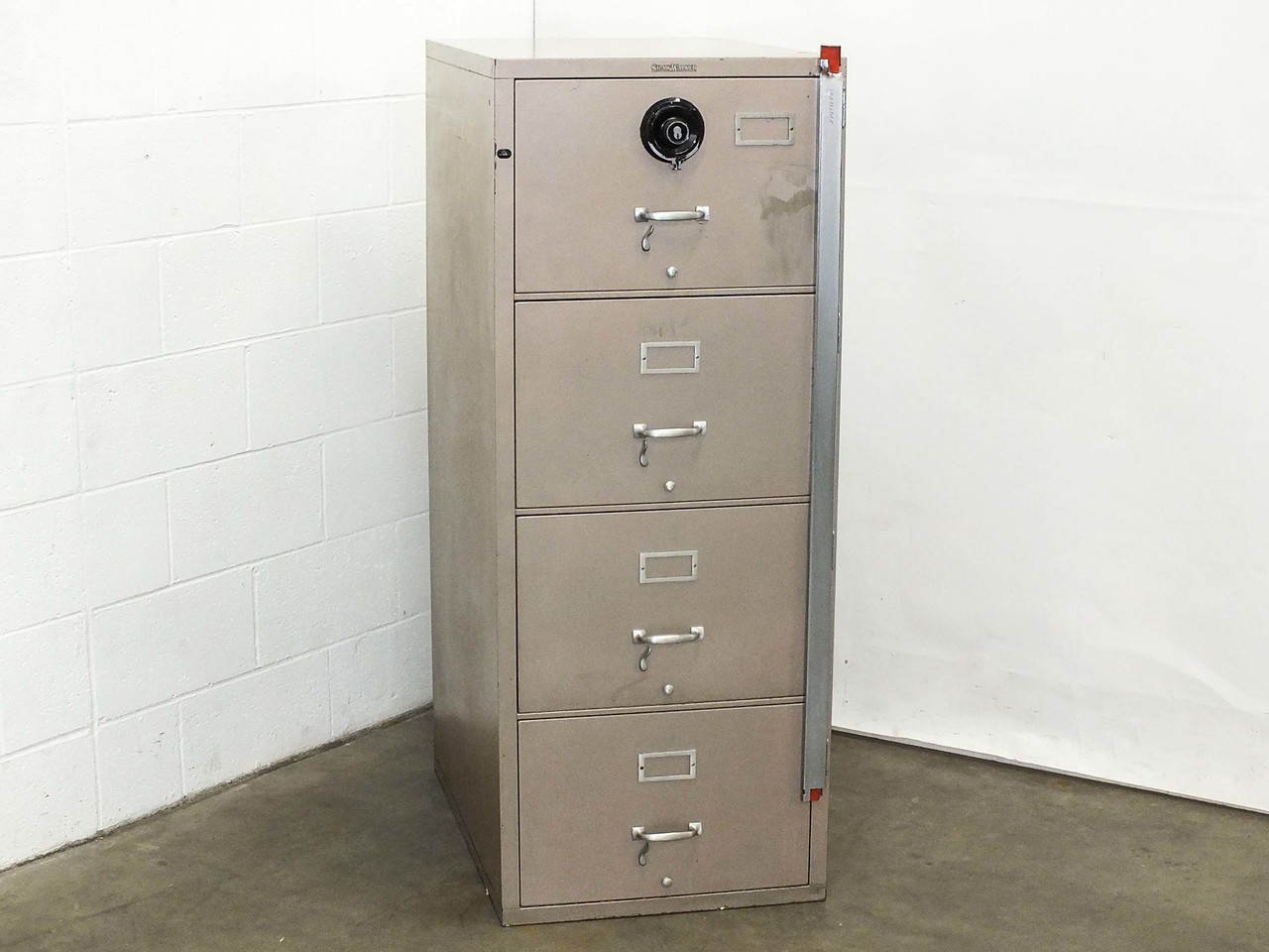 Shaw Walker G1 4 Drawer Insulated Fireproof Filing Cabinet With Combination Lock