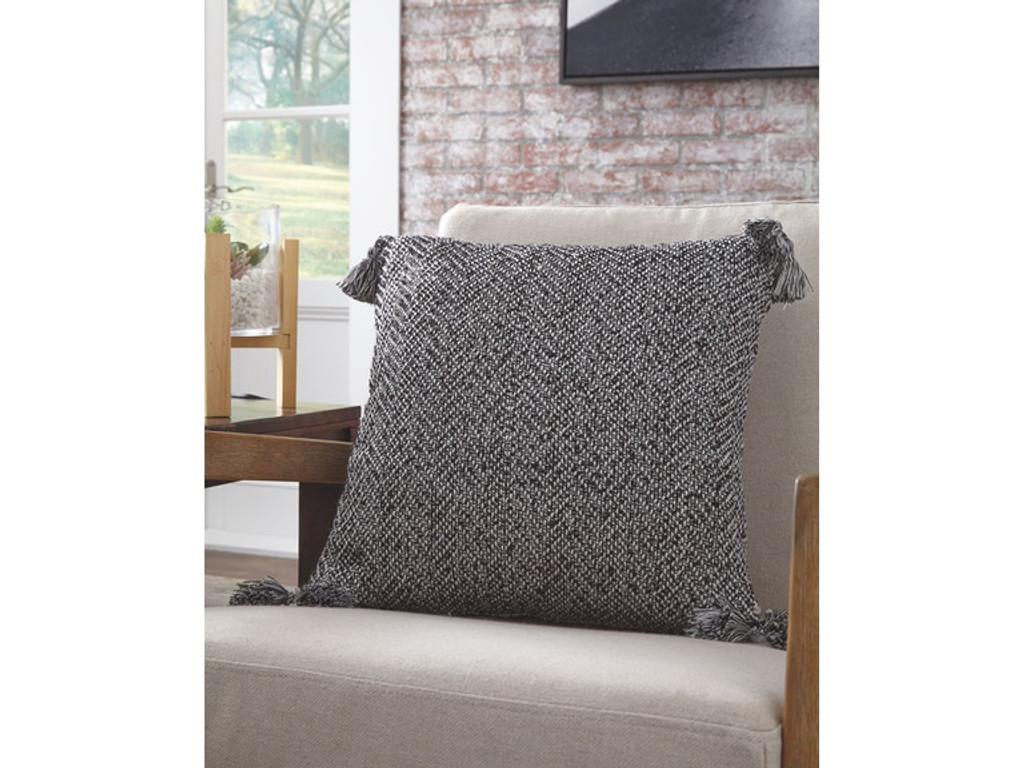 the riehl accent pillow set