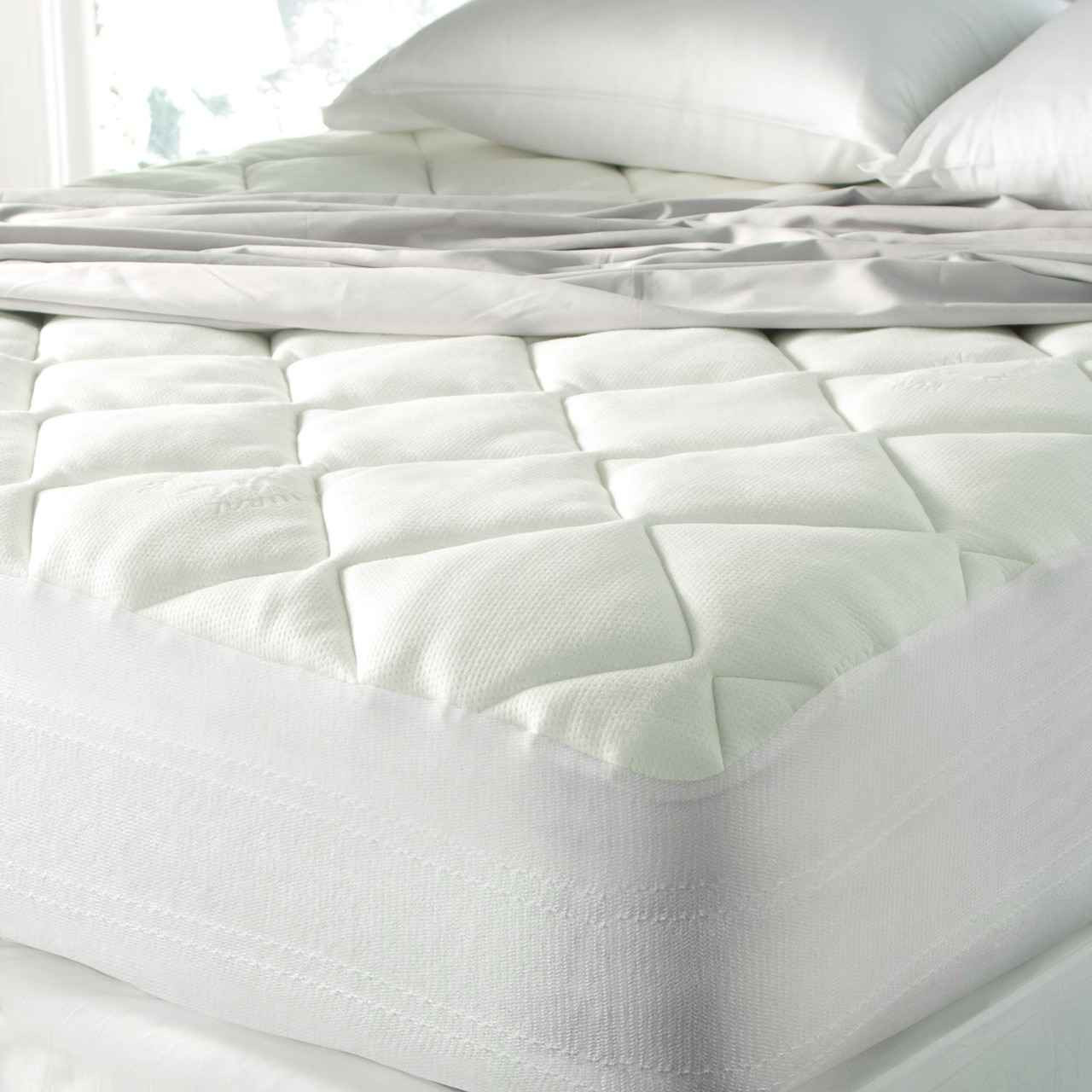 spa luxe super plush bamboo blend top cool touch mattress pad w quiet bottom