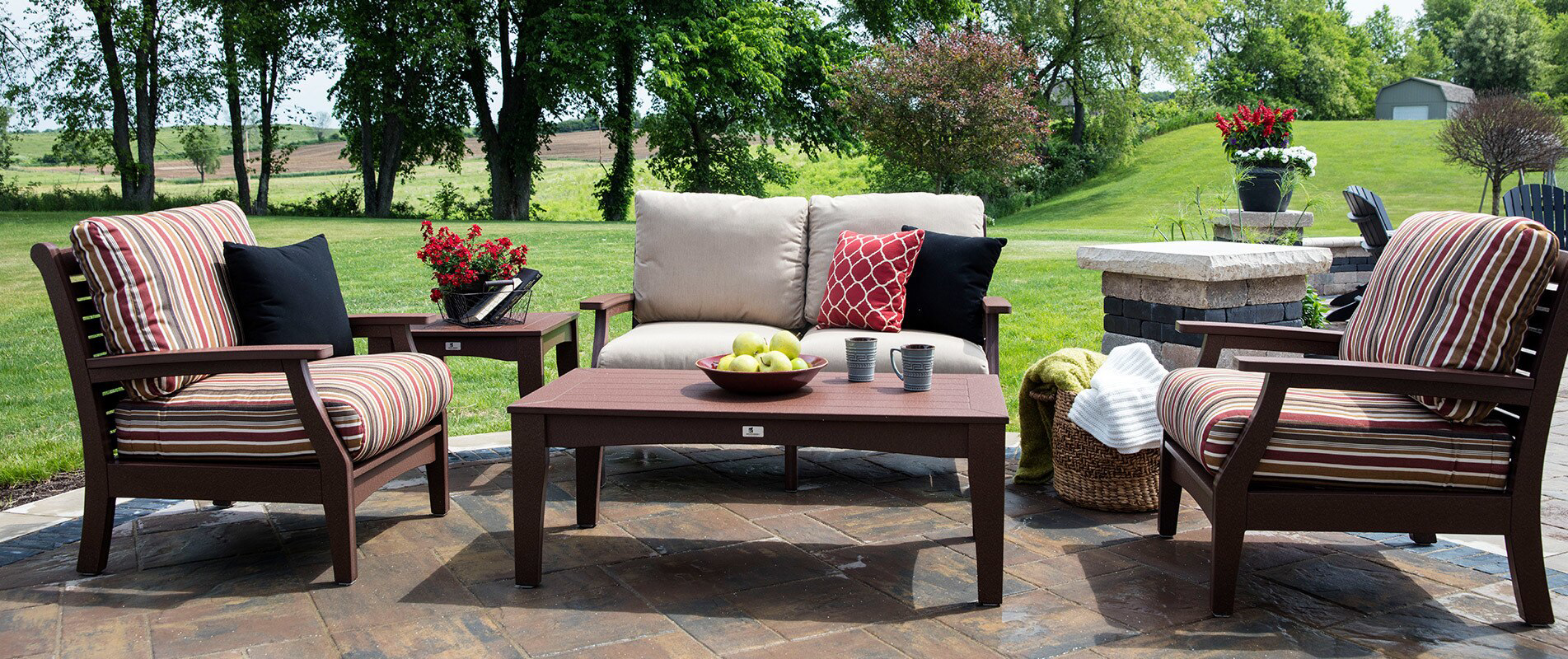 outdoor furniture backyard sheds