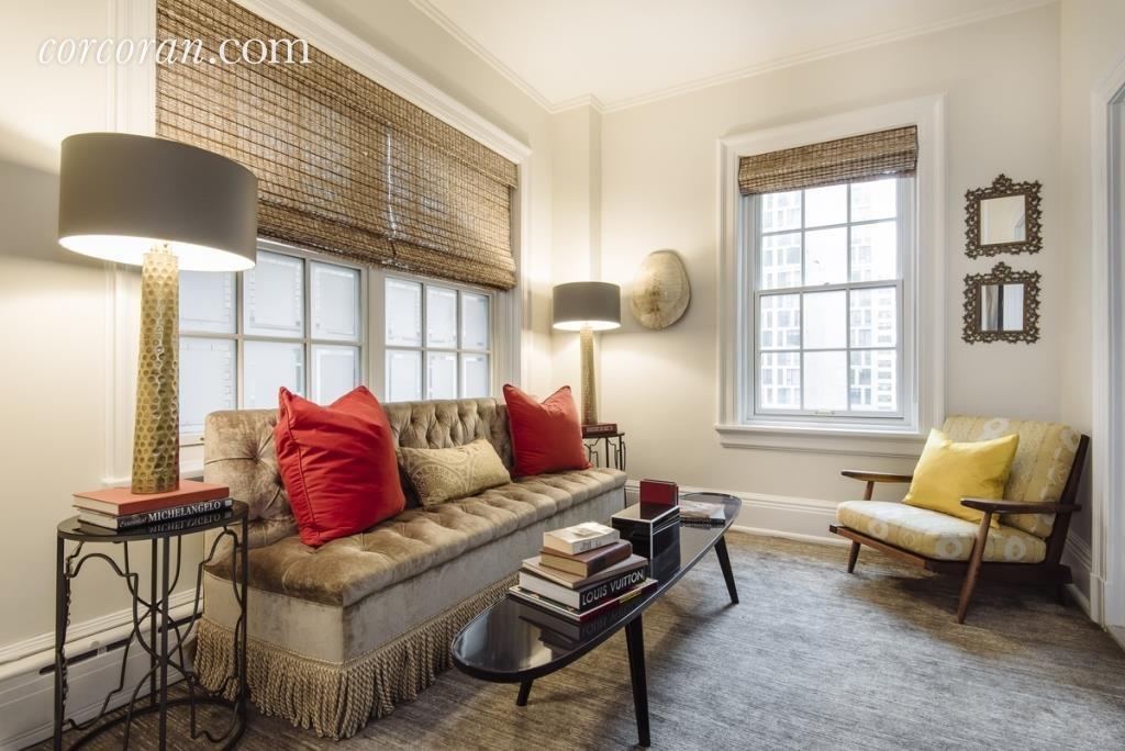Uma Thurman's sitting room