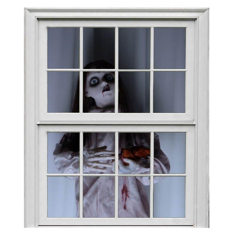 rideau de fillette a la fenetre decoration halloween