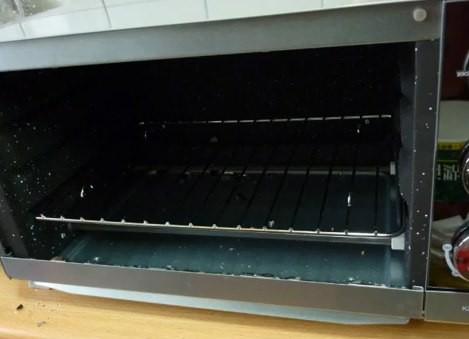 聲寶鏡面烤箱自爆 玻璃噴射地面狂跳動 | ETtoday生活 | ETtoday新聞雲