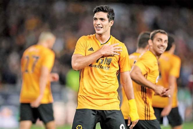Raúl Jiménez ha multiplicado su valor jugando en la Liga Premier / Foto: DPA